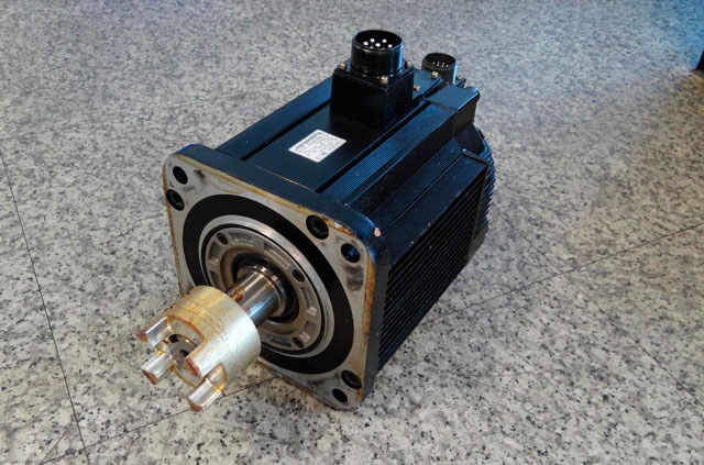 Yaskawa motor before and after repair